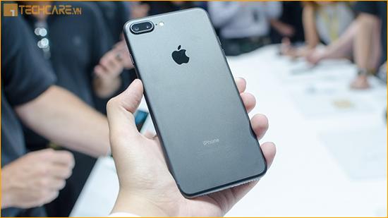 Iphone 6 Plus sau khi độ vỏ thành 7 Plus