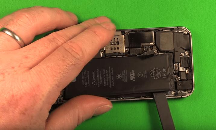 thay pin iphone se giá rẻ tại đà nẵng