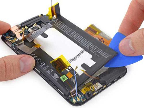 Techcare cam kết dịch vụ thay pin HTC One M7 uy tín và rẻ nhất Đà Nẵng