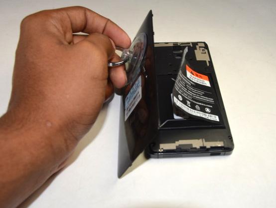 quy trình thay pin điện thoại xiaomi tại techcare