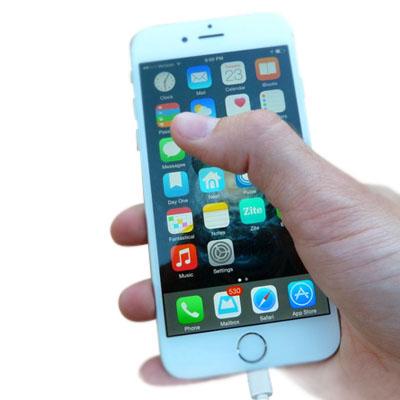 Sửa Iphone bị loạn cảm ứng khi sạc