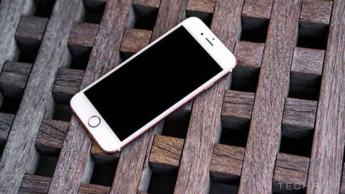 Tại sao iPhone tự động tắt nguồn?