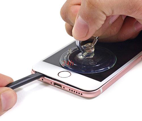 Techcare cam kết sửa màn hình iPhone không vuốt giá rẻ