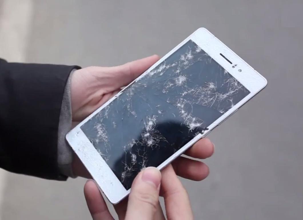Nhận thiết bị Oppo bị hỏng màn hình từ khách hàng