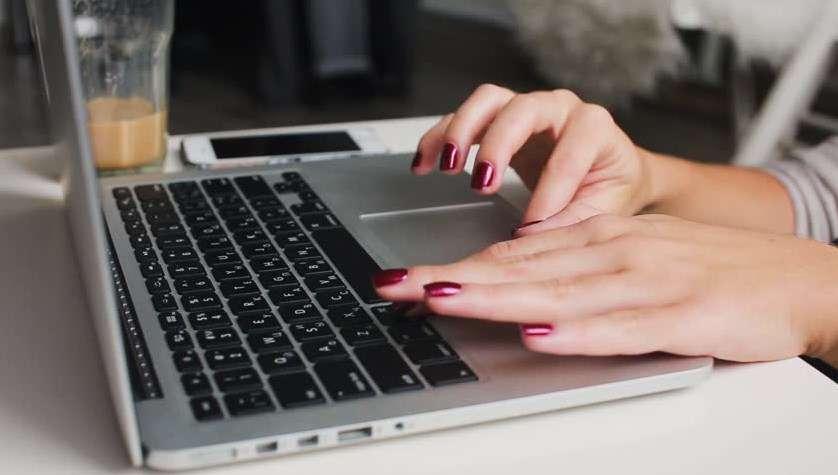 Sửa Lỗi Bàn Phím Laptop Bị Loạn Nút