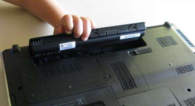 cách sạc pin laptop đúng cách bạn nên biết