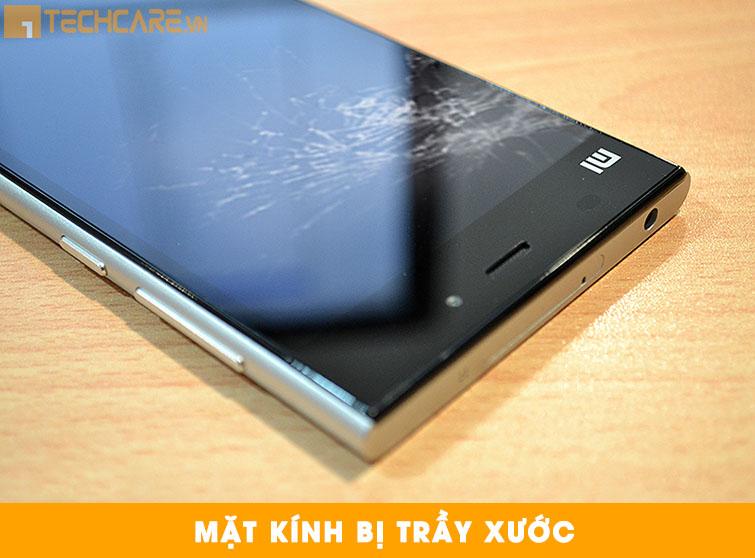 Thay mặt kính Xiaomi Mi 3 bị trầy xước
