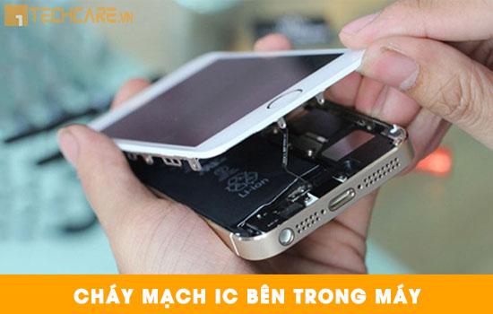 Thay màn hình Iphone do cháy mạch IC