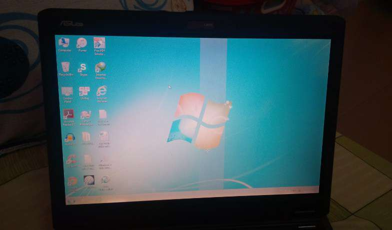 laptop bi soc man hinh