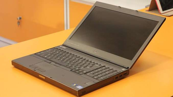 laptop dell m4700 core i7 man hinh15.6inch