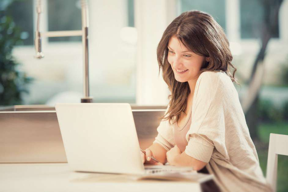 laptop đẹp cho nữ giới