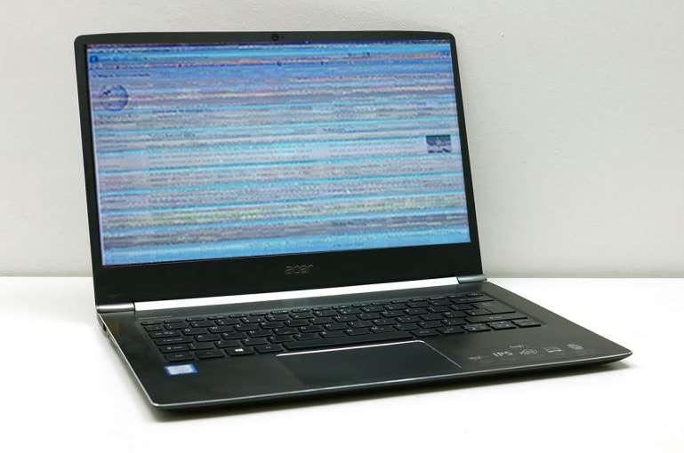 màn hình laptop bị giật