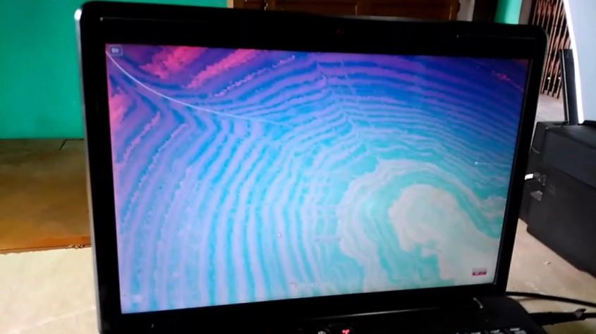 sửa lỗi màn hình laptop bị nhòe màu