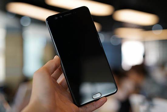 Điện thoại OPPO không lên màn hình