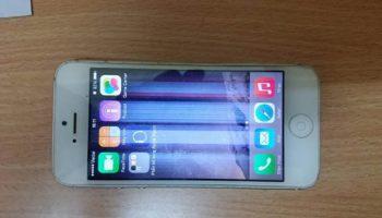 Lỗi màn hình điện thoại bị sọc dọc sửa thế nào