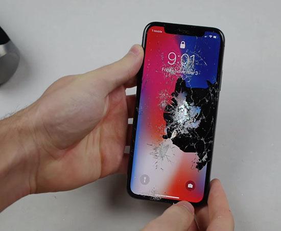 Điện thoại bị vỡ màn hình trong