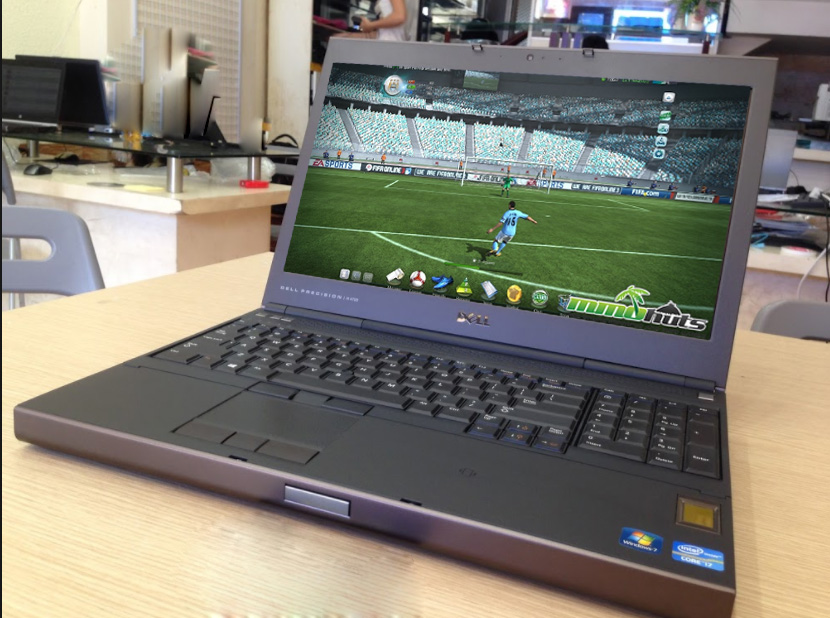 mua laptop chơi game fifa online 3