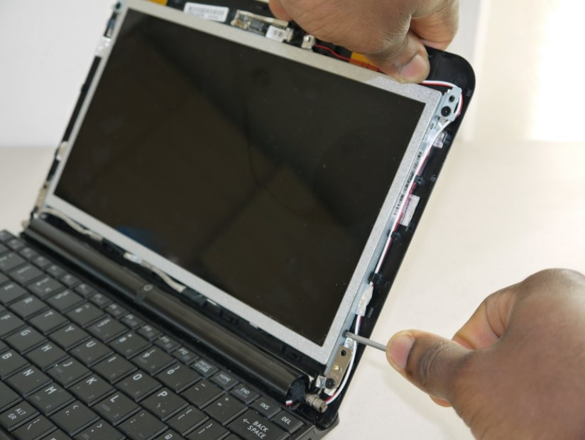 sửa lỗi màn hình laptop bị đỏ