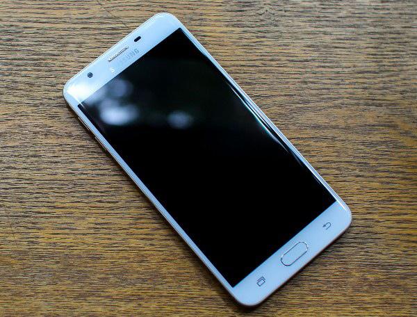 Sửa lỗi màn hình điện thoại bị tối đen!