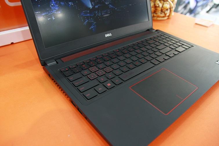 Bàn phím của Dell N5577 là kiểu bàn phím Full size