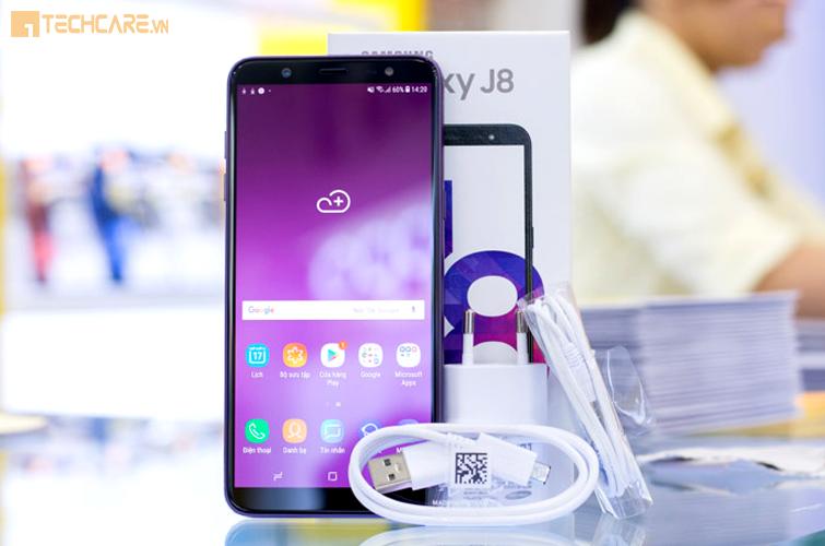 Điện thoại Samsung Galaxy J8