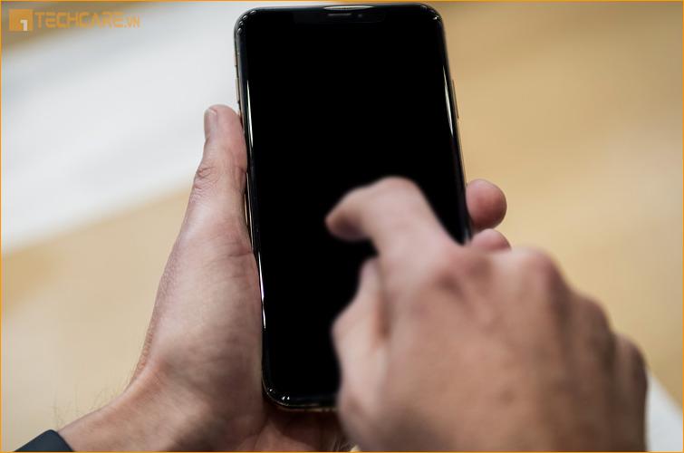 Thay pin Iphone XR chính hãng