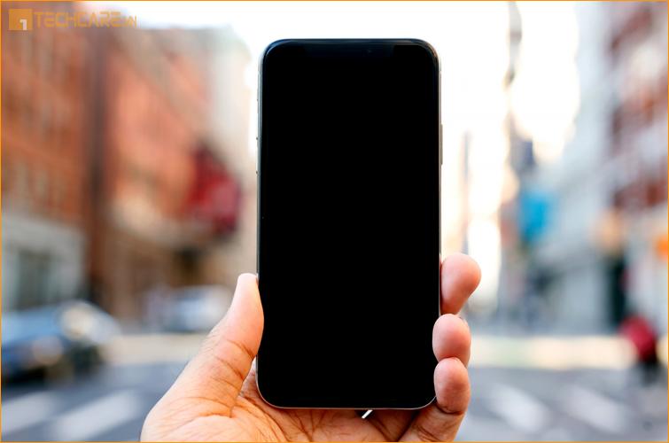 Camera điện thoại tối đen, không sử dụng được