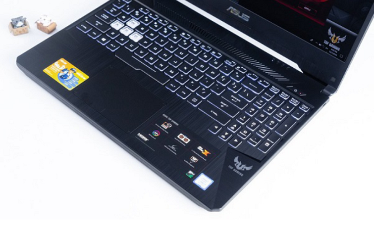 Thao tác dễ dàng với bàn phím của ASUS FX505GE BQ052T