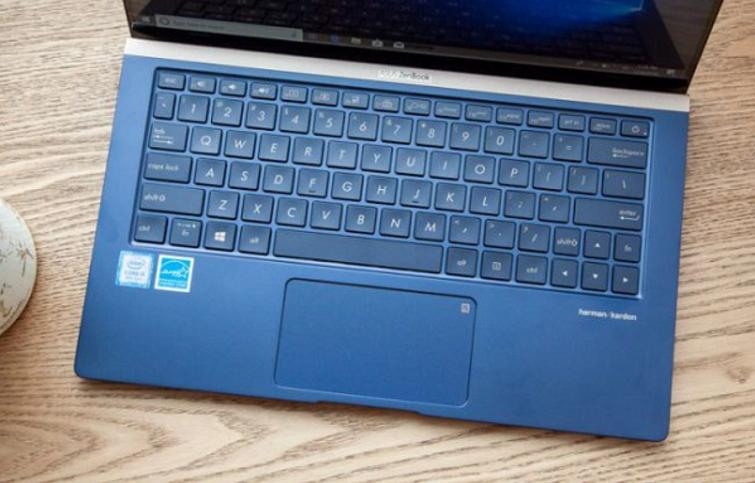 Sở hữu bàn phím full size và các phím có độ nảy tốt