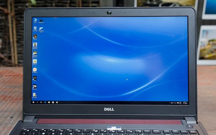 Dell Inspiron 7557 trang bị màn hình có kích thước là 15,6 inch