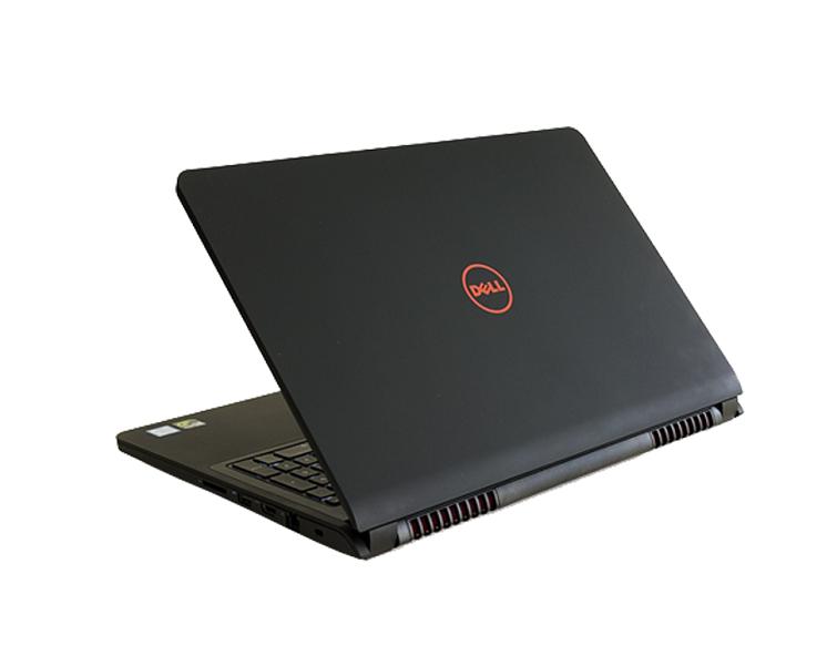 Dell Inspiron N7557 được thiết kế tinh xảo bằng vỏ nhôm