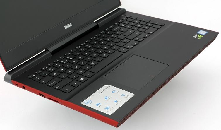 Bàn phím của Dell Inspiron 7567 cũng có một màu sắc của gaming