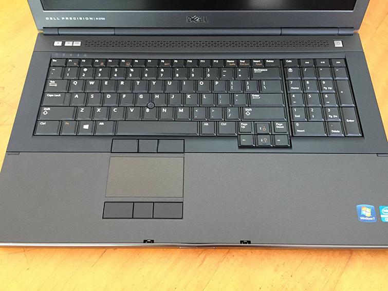 Sở hữu bàn phím được thiết kế khá khít