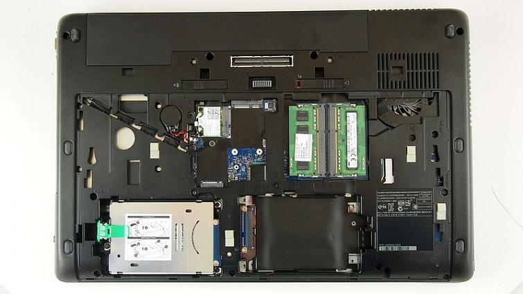 Phần quạt tản nhiệt của HP Zbook 17 G1 có tiếng ồn khá là lớn