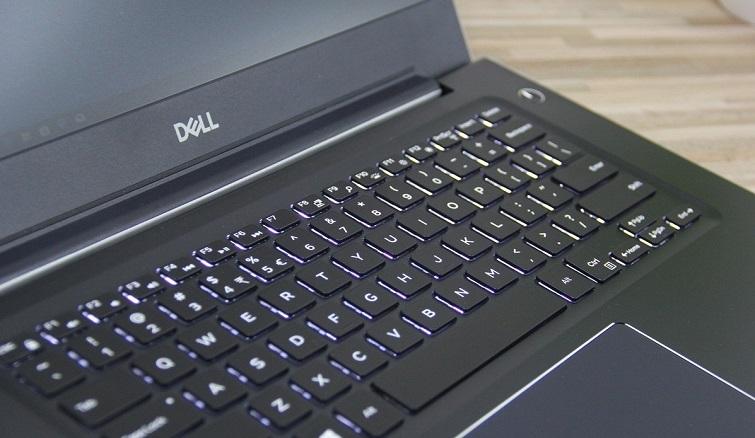 Bàn phím và Touchpad thiết kế đẹp mắt, khoa học, dễ sử dụng
