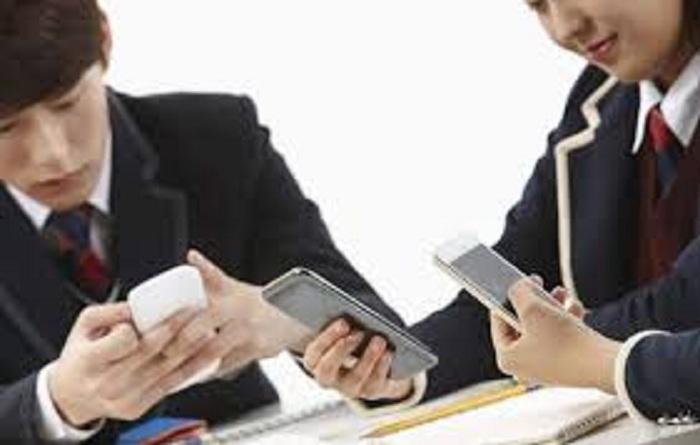 Ảnh hưởng của smartphone đến học tập đến sự phát triển lành mạnh về tâm lý của học sinh