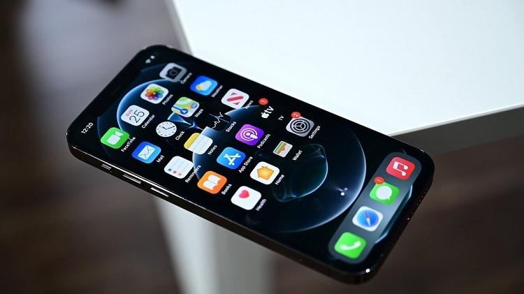 thay-pin-iphone-13-chinh-hang-tai-da-nang